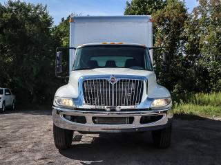 Used 2017 International 4300 INTERNATIONAL 4300  B67 6.7L Cummins Diesel, AUTOMATIC,  24 ft Box IFTGATE AND RAMP for sale in Ottawa, ON