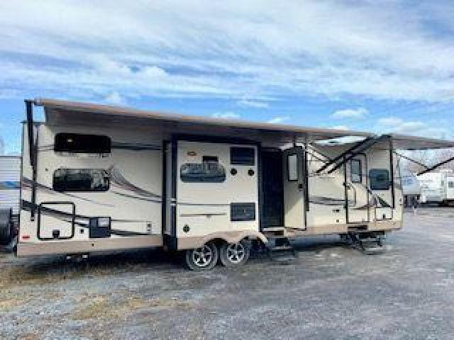 2016 Forest River ROCKWOOD SIGNATURE Ultra-Lite 8327SS