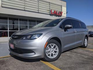 Used 2017 Chrysler Pacifica LX * Bluetooth * Rear Camera for sale in Chatham, ON