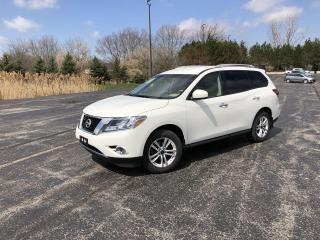 Used 2014 Nissan Pathfinder SV 4WD for sale in Cayuga, ON