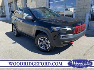 Used 2019 Jeep Cherokee Trailhawk ***PRICE REDUCED*** 3.2L V6, NAVIGATION, REVERSE CAMERA, LEATHER HEATED SEATS for sale in Calgary, AB