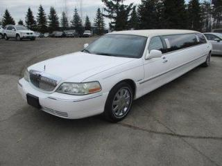 Used 2004 Lincoln Town Car PEOPLE MOVING TOWN-CAR MODEL 11 PASSENGER 4.6L - V8.. LEATHER.. IN-SEATING BAR.. POWER DIVIDER.. POWER PEDALS.. DUAL TV SCREENS.. DVD PLAYER.. for sale in Bradford, ON