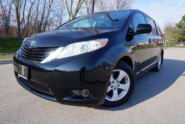 2017 Toyota Sienna LE / 1 OWNER / NO ACCIDENTS / IMMACULATE SHAPE