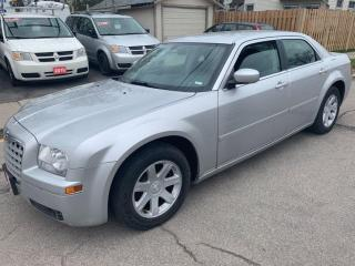 Used 2005 Chrysler 300 300 for sale in Hamilton, ON
