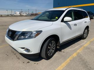 Used 2014 Nissan Pathfinder SL for sale in Saskatoon, SK