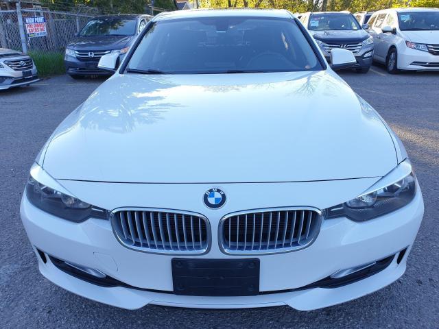 2013 BMW 3 Series 320i xDrive Photo2