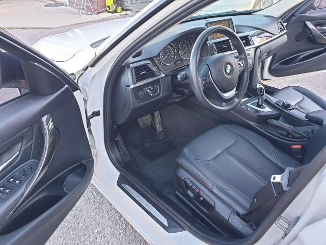 2013 BMW 3 Series 320i xDrive Photo9