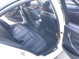 2013 BMW 3 Series 320i xDrive Photo40