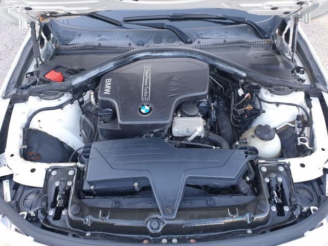 2013 BMW 3 Series 320i xDrive Photo19