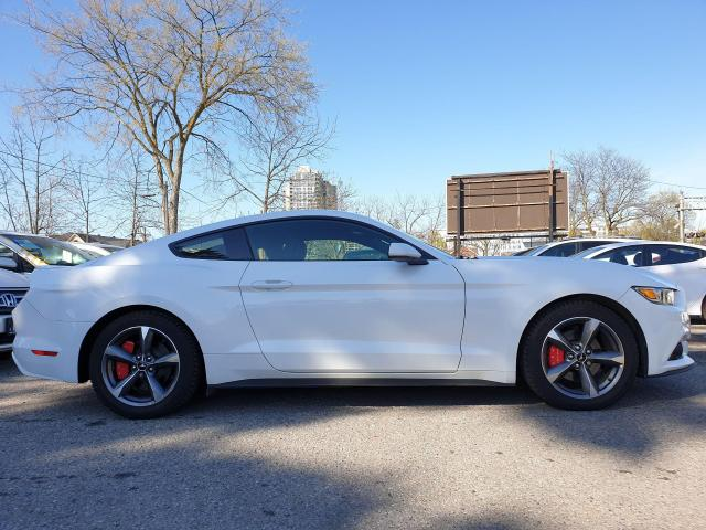 2016 Ford Mustang V6 Photo5