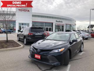 Used 2019 Toyota Camry HYBRID XLE TCI DEMO - Wireless Charging - Sunroof - Navigation for sale in Stouffville, ON