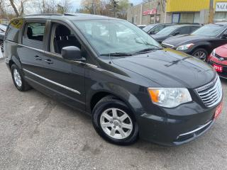 Used 2011 Chrysler Town & Country TOURING/ DUAL DVD/ NAVI/ CAM/ SUNROOF/ ALLOYS ++ for sale in Scarborough, ON