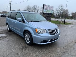 Used 2013 Chrysler Town & Country for sale in Komoka, ON