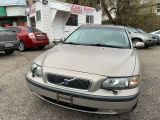 Photo of Beige 2004 Volvo V70