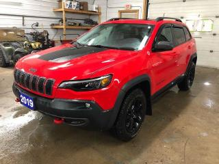 Used 2019 Jeep Cherokee Trailhawk 4X4 for sale in Kapuskasing, ON
