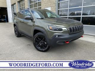 Used 2019 Jeep Cherokee Trailhawk 3.2L V6, ELITE, NAVIGATION, LEATHER SEATS, REMOTE STARTER, NO ACCIDENTS for sale in Calgary, AB