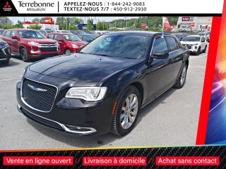 Used 2018 Chrysler 300 4X4 LIMITED,PNEUS HIVER INCLU for sale in Terrebonne, QC