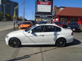 Used 2011 BMW 3 Series 323i/ MINT CONDITION / CERTIFIED / LIKE NEW/ SHARP for sale in Scarborough, ON
