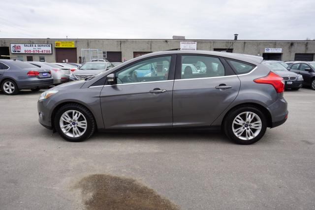 2012 Ford Focus 5Spd TITANUM PKG NAVI CERTIFIED 2YR WARRANTY HEATED LEATHER SUNROOF *FREE ACCIDENT* POWER SEAT