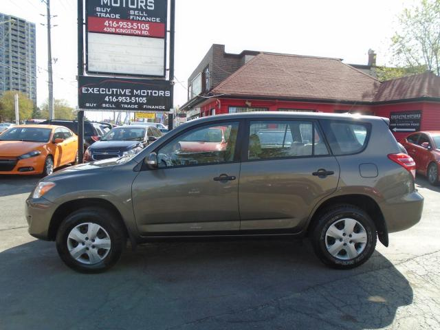 2010 Toyota RAV4 Base/ NO ACCIDENT/ LOW KM / CERTIFIED /MINT / A/C