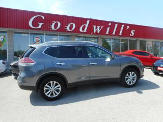Used 2016 Nissan Rogue SV! HEATED SEATS! NAV! BLUETOOTH! BACKUP CAM! for sale in Aylmer, ON
