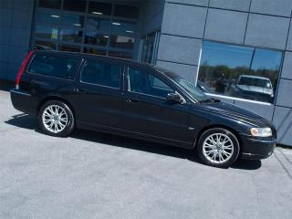 Used 2006 Volvo V70 2.5T|LEATHER|ROOF|ALLOYS|BLUETOOTH for sale in Toronto, ON