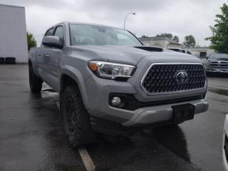 Used 2018 Toyota Tacoma SR5 Backup / Leather / Sunroof / Rugged off-pavement capability for sale in Surrey, BC