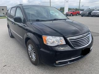 Used 2013 Chrysler Town & Country Touring | Leather | Heated Seats for sale in Harriston, ON