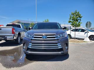 Used 2019 Toyota Highlander HYBRID Hybrid XLE RARE!! BAS MILEAGE for sale in Lachine, QC
