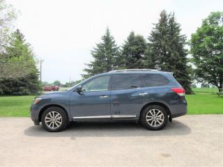 Used 2014 Nissan Pathfinder SL 4WD- 7 PASSENGER V6 for sale in Thornton, ON