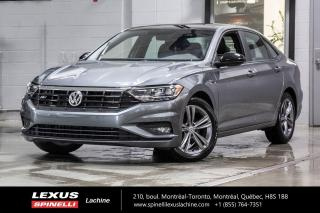 Used 2019 Volkswagen Jetta R-Line; CUIR TOIT PANO CAMERA ANGLES MORT CARPLAY TOIT-PANORAMIQUE - CAMERA DE RECUL - SIÈGES CHAUFFANT - DÉMARREUR D'ORIGINE for sale in Lachine, QC