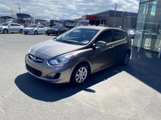 Used 2012 Hyundai Accent Voiture à hayon, 5 portes, boîte automat for sale in Alma, QC