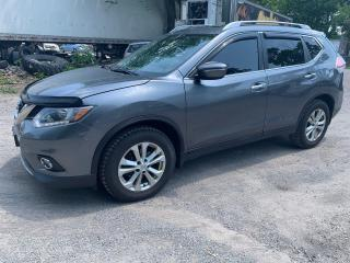 Used 2015 Nissan Rogue SV. PANO ROOF, REVERSE CAMERA for sale in Oshawa, ON