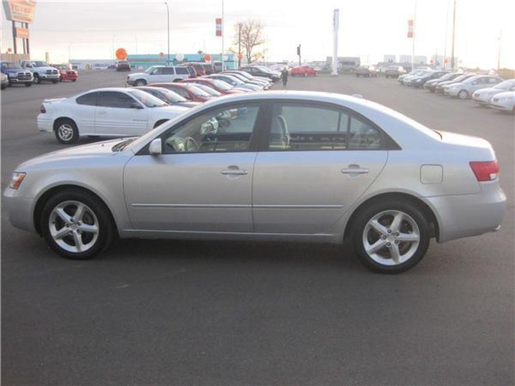 used 2008 hyundai sonata se v6 for sale in medicine hat. Black Bedroom Furniture Sets. Home Design Ideas