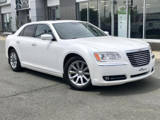 Used 2014 Chrysler 300 TOURING CUIR TOIT PANORAMIQUE for sale in Ste-Marie, QC