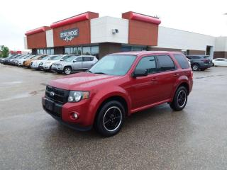 Used 2012 Ford Escape XLT 4dr 4WD Sport Utility Vehicle for sale in Steinbach, MB