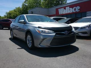 Used 2015 Toyota Camry LE for sale in Ottawa, ON