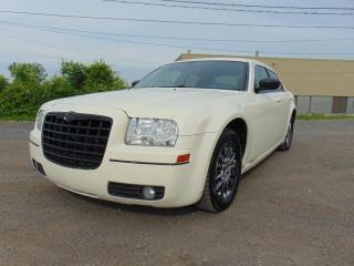 Used 2005 Chrysler 300 ******ROULE BIEN******A/C******** for sale in St-Eustache, QC