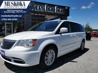 Used 2016 Chrysler Town & Country Touring-L for sale in Bracebridge, ON