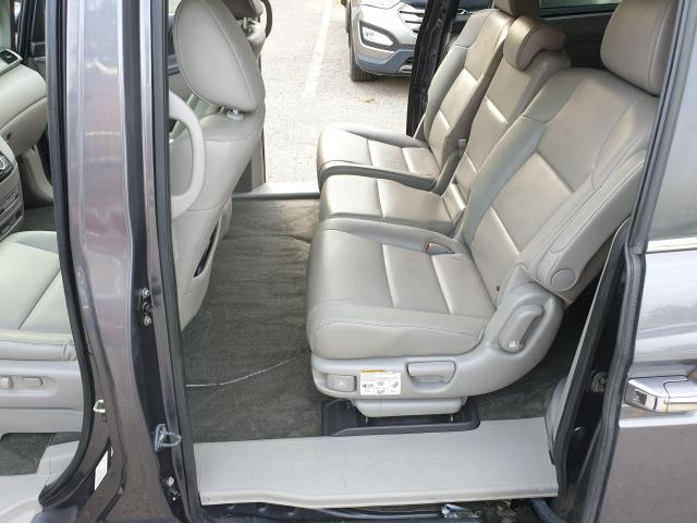 2016 Honda Odyssey EX-L Photo11