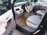 2013 Toyota Sienna XLE Photo40