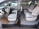 2013 Toyota Sienna XLE Photo45