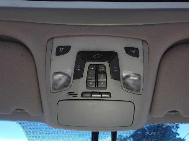 2013 Toyota Sienna XLE Photo22