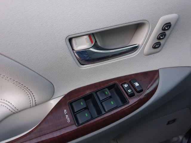 2013 Toyota Sienna XLE Photo24