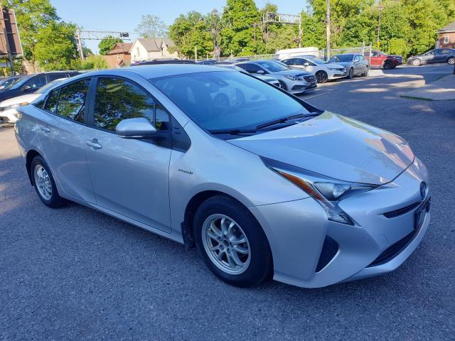 2016 Toyota Prius  Photo3