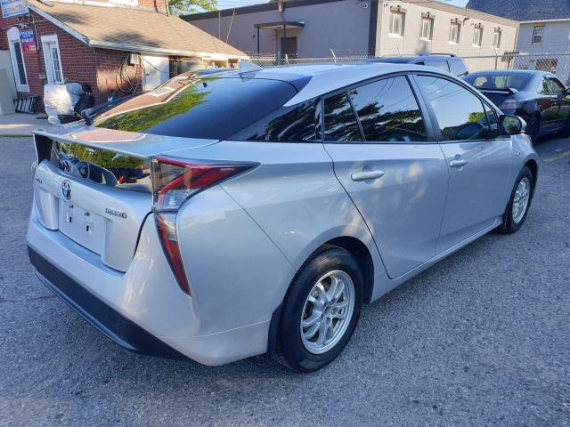 2016 Toyota Prius  Photo6