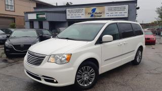 Used 2013 Chrysler Town & Country Touring w/Leather, Backup Cam for sale in Etobicoke, ON