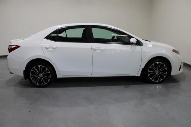 2014 Toyota Corolla WE APPROVE ALL CREDIT