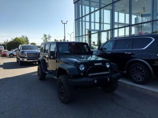 Used 2015 Jeep Wrangler SAHARA UNLIMITED AIR*2 TOITS*4 PORTES for sale in Lévis, QC