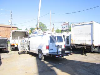 Used 2009 Ford E350 BUCKET TRUCK for sale in North York, ON